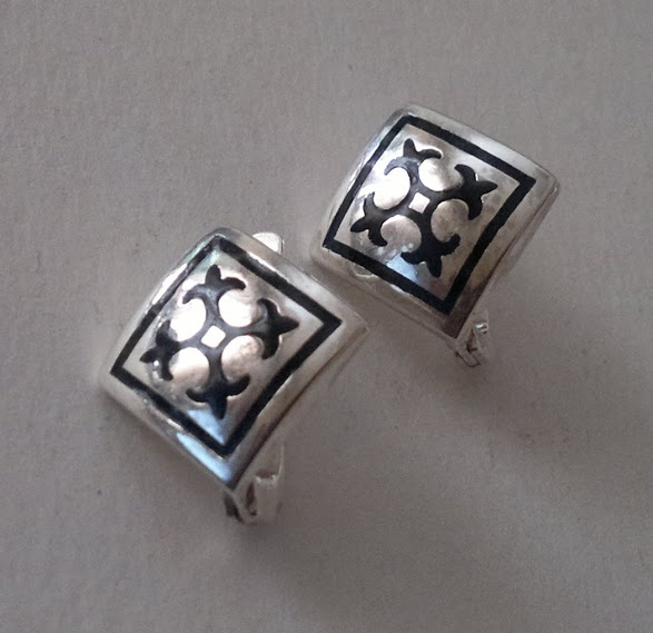 earrings 3203